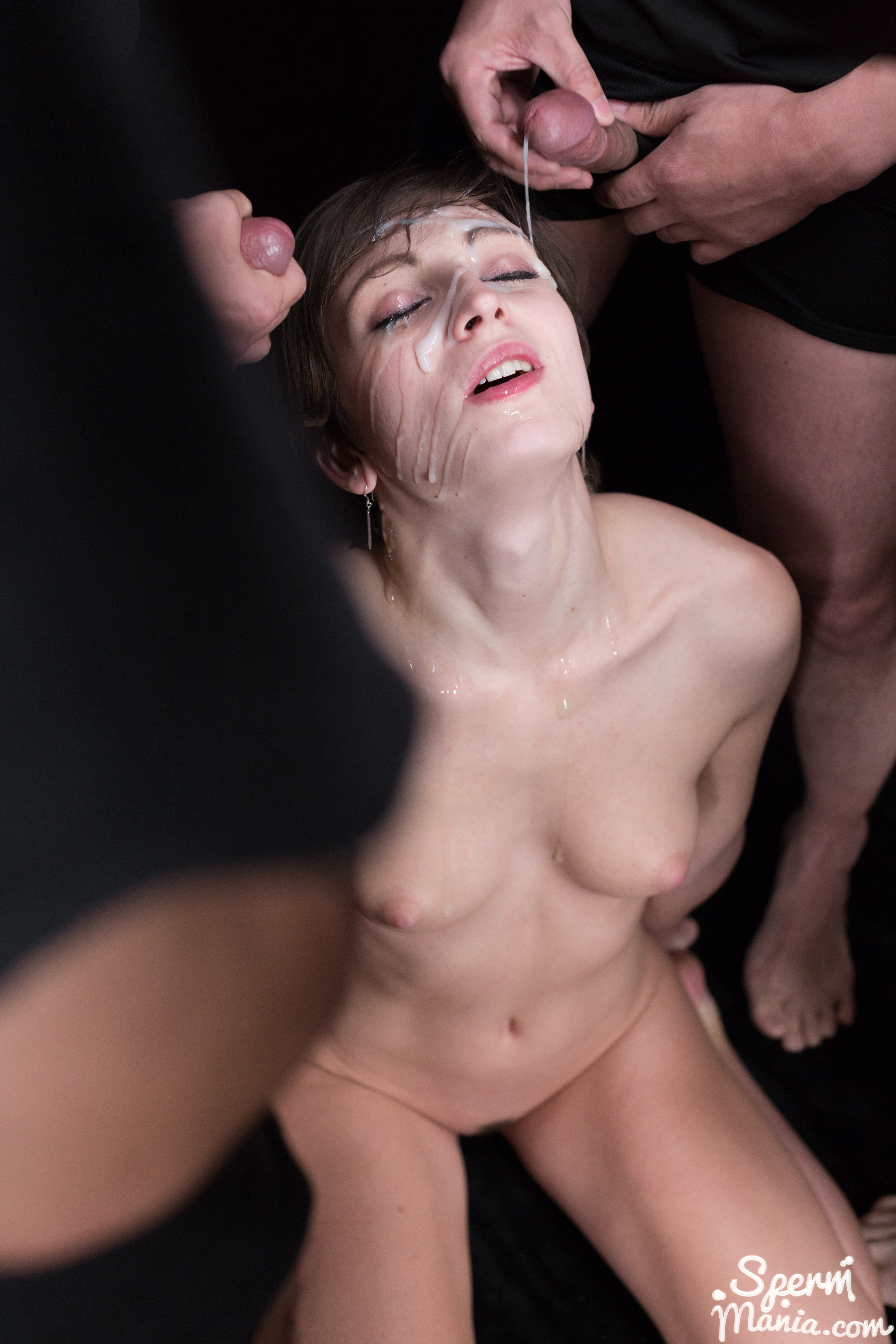 Shaved pussy lovers